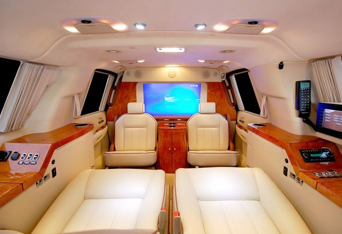 Потрясающий Cadillac Escalade (22 фото)