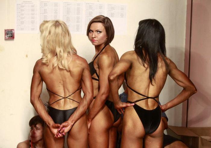 За кулисами соревнований по бодибилдингу (15 фото)