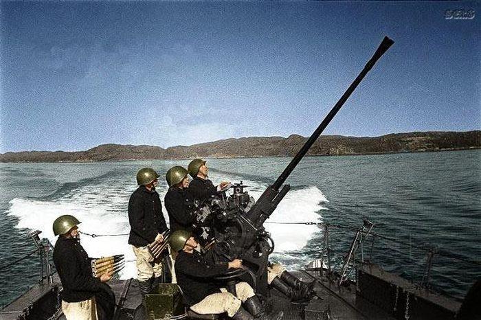 http://trinixy.ru/pics5/20120505/army_40.jpg