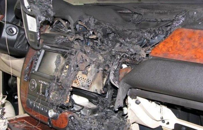 Взрыв GPS-приемника (5 фото)