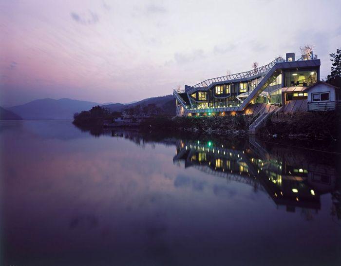 Удивительный дом (17 фото)