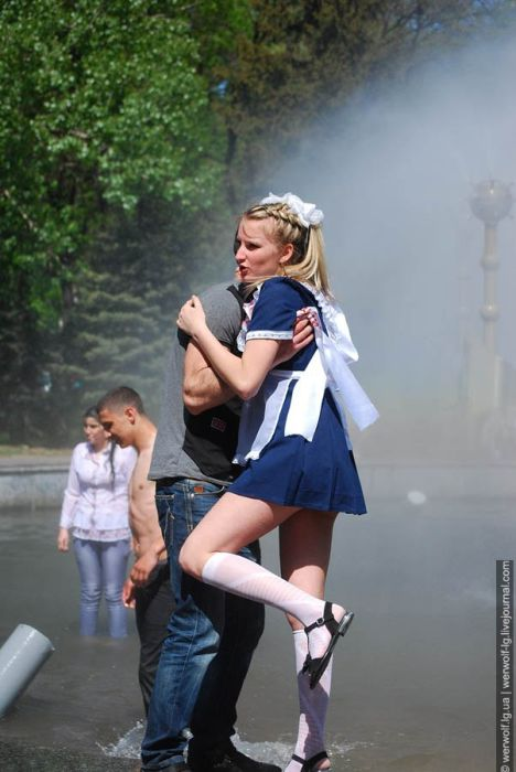 Последний звонок в Луганске. Часть 2 (72 фото)