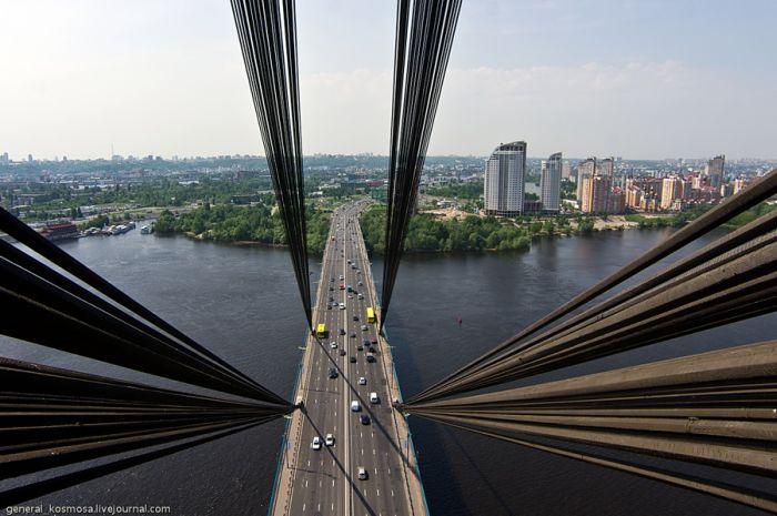 Прогулка по Московскому мосту в Киеве (16 фото + видео)