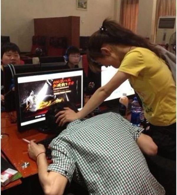 Девушка воспользовалась парнем онлайн фото 139-551