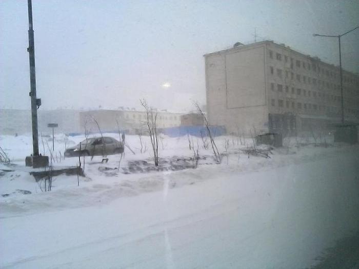 Май в Норильске (10 фото)