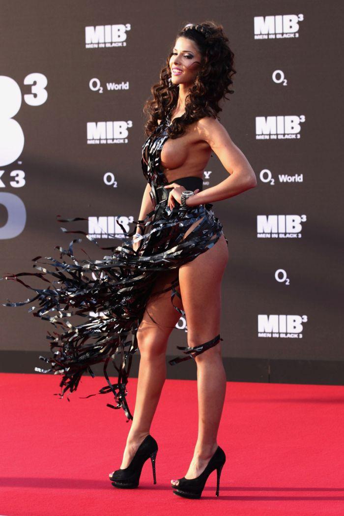 "Микаэла Шефер на презентации фильма ""Люди в черном 3"" (21 фото)"