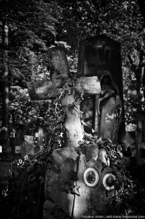 Старое кладбище (61 фото)