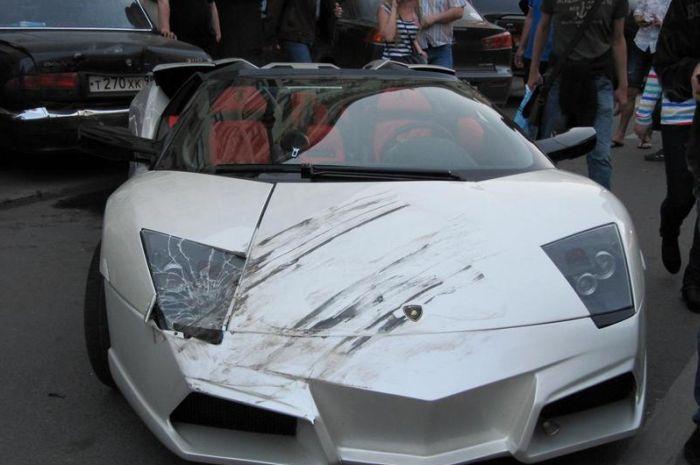 Авария с участием Lamborghini (4 фото)