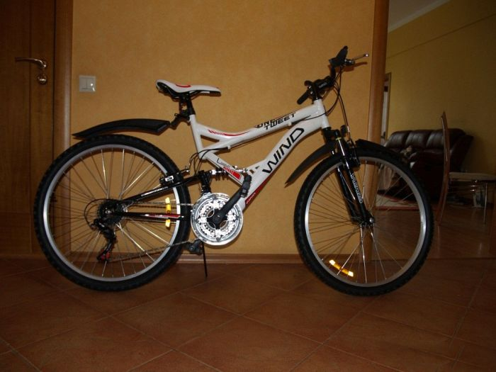 Продается новый велосипед (2 фото)