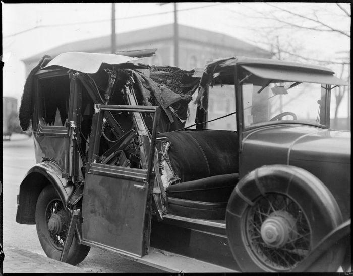 Ретро-аварии прошлого века. Часть 2 (37 фото)