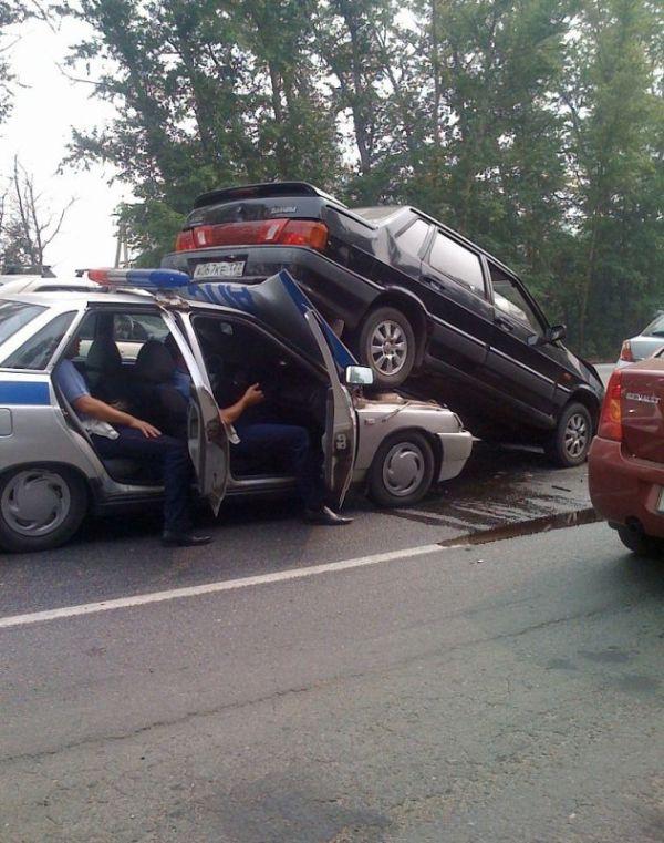 Авария с участием ДПС (4 фото)