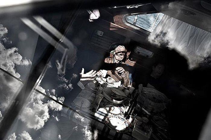 Слепой капитан (8 фото)