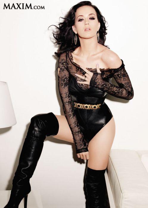 Топ-100 девушек со страниц журнала Maxim 2012 (100 фото)