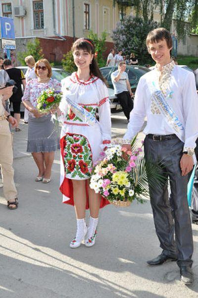 Патриотическое выпускное платье (8 фото)