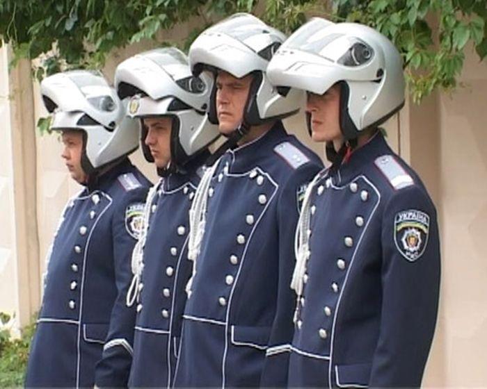 Новая форма украинских ДПС (4 фото + видео)