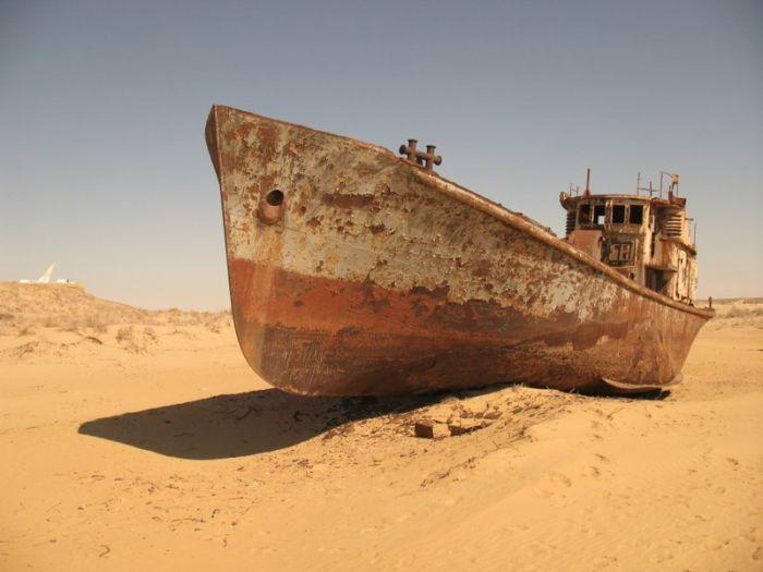Aral Gölü Yok oluyor (22 Fotograf)