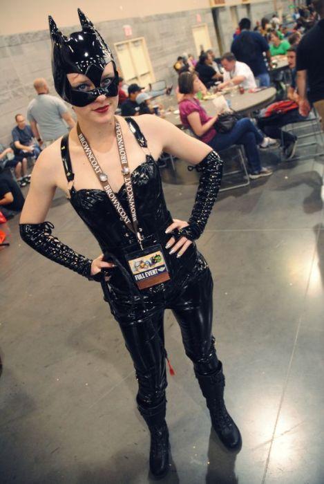 Девушки с Comicon 2012 (43 фото)
