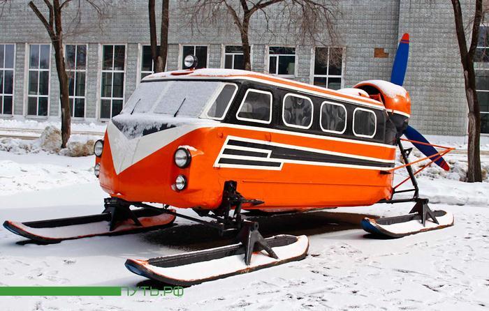Что общего между автобусом на лыжах и вертолетом?