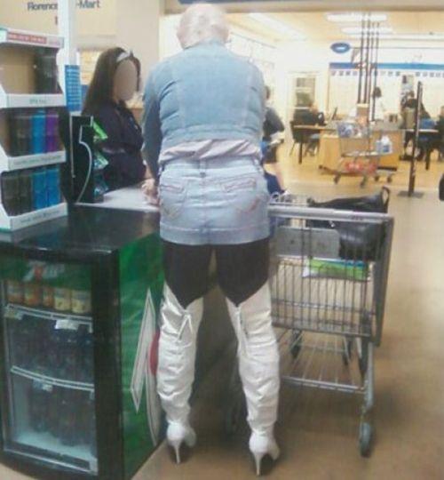 Смешные люди из супермаркетов. Часть 16 (53 фото)