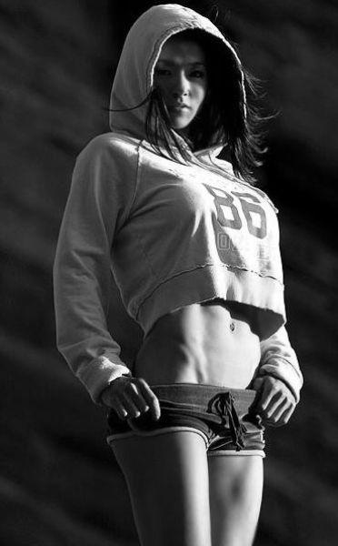 Спортивные девушки (60 фото)