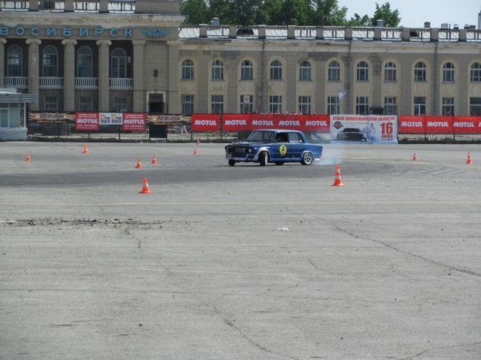 Фестиваль автотюнинга в Новосибирске (104 фото)
