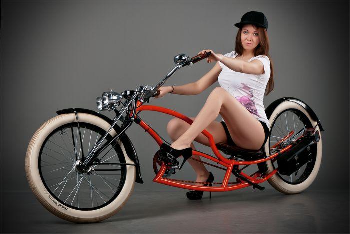 Девушки на велосипедах (30 фото)