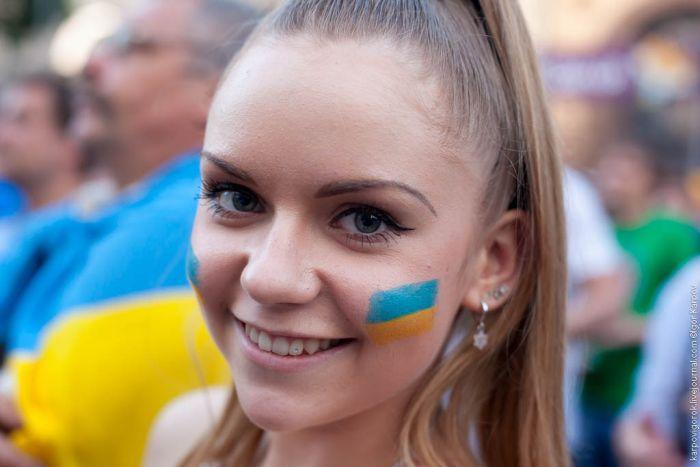 Болельщицы на матче украина швеция 30