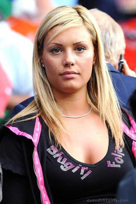 Болельщицы с чемпионатов Евро 2008-2012 (80 фото)