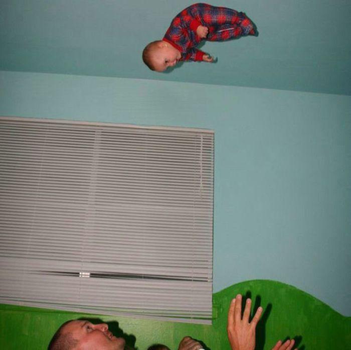 Опасные игры с ребенком (4 фото)