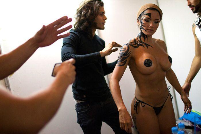 Новинки секс-индустрии на выставке в Каракасе (15 фото)