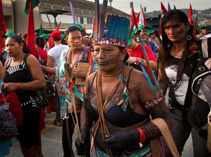 Голый протест в Рио-де-Жанейро (12 фото)