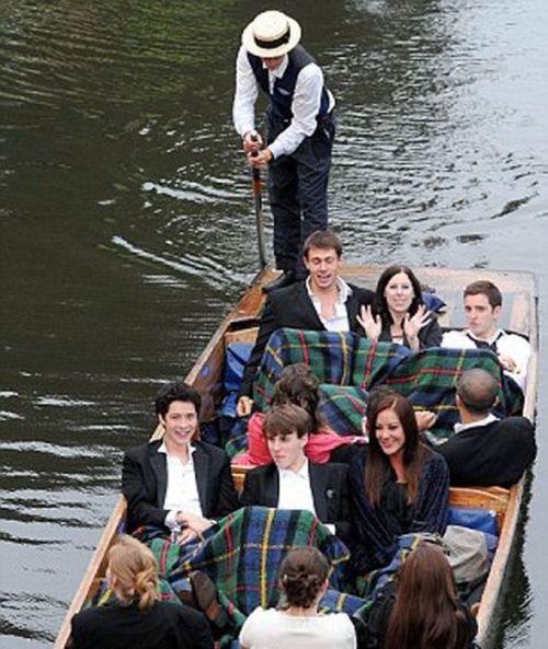 Как отдыхают студенты Кембриджа (35 фото)