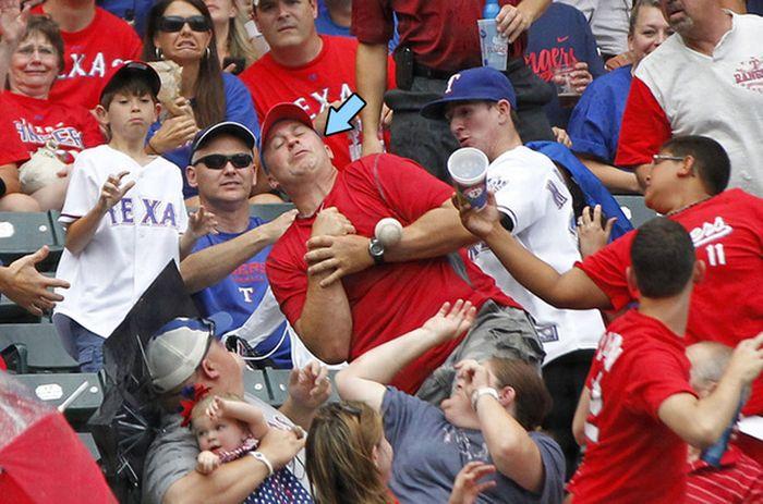 Поймать бейсбольный мяч (24 фото)