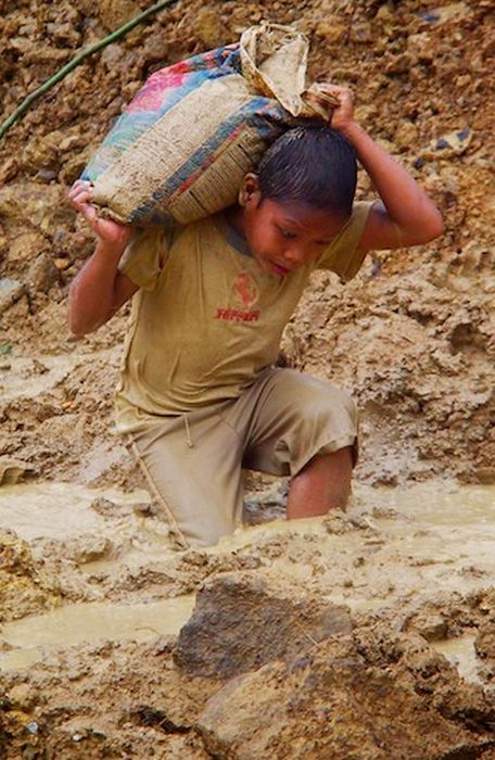 Добыча золота на Филиппинах (37 фото)