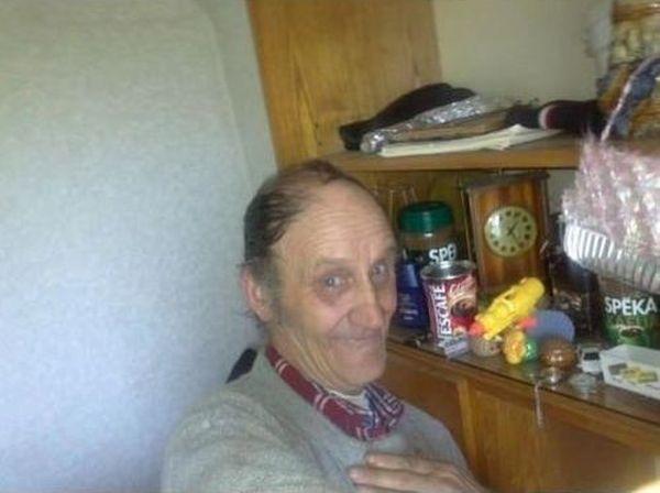 Дедуля зарегистрировался в Контакте? (4 фото)