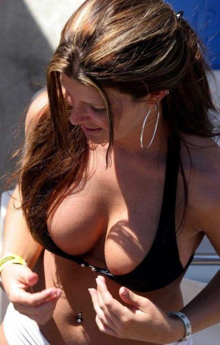 Симпатичные девушки в бикини (22 фото)