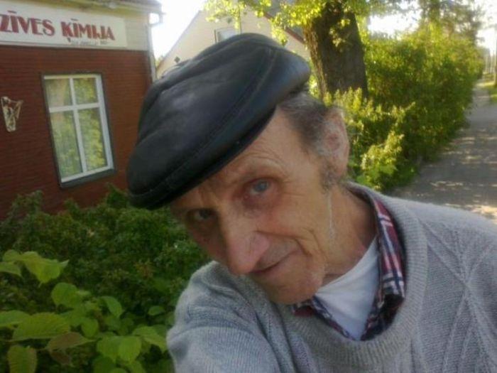 Дедуля зарегистрировался в Контакте? Часть 2 (8 фото)