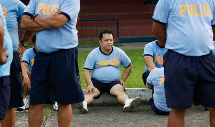 Филиппинская полицейская переаттестация (4 фото)