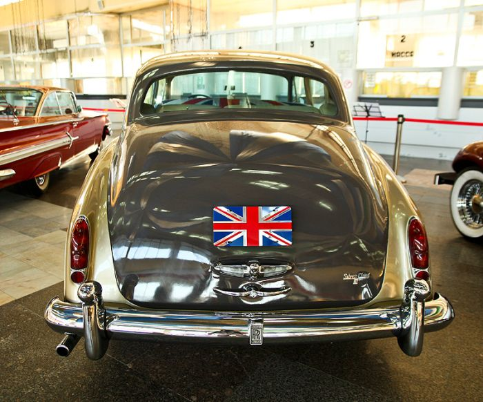 Выставка раритетных автомобилей в Новороссийске (43 фото)