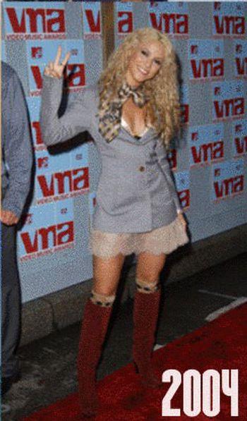 Как менялась Шакира с раннего детства и до наших дней (27 фото)