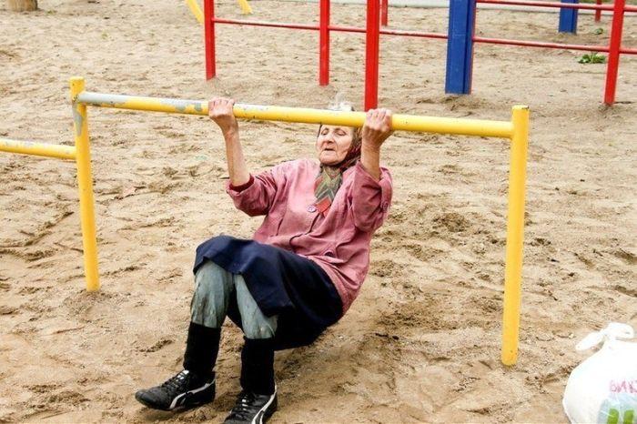 Спортивная бабуля (7 фото + видео)