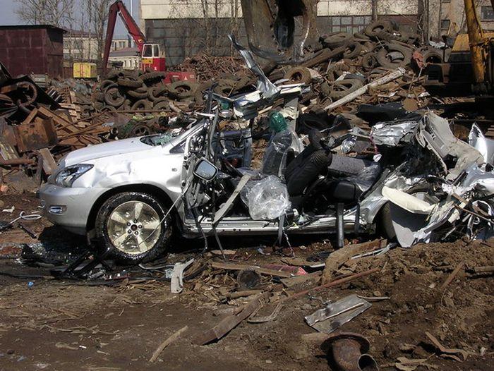 Последние мгновения жизни Lexus RX350 (17 фото)