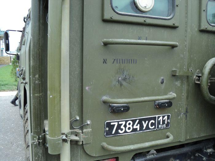 """Обстрелянный броневик СТС """"Тигр"""" (7 фото)"""