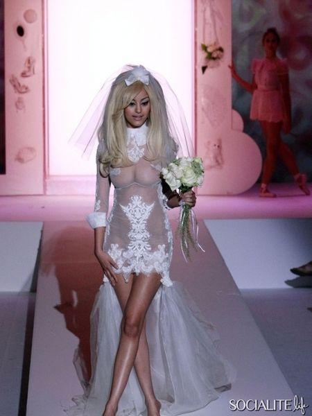 Захия Дехар в свадебном платье (10 фото + видео)