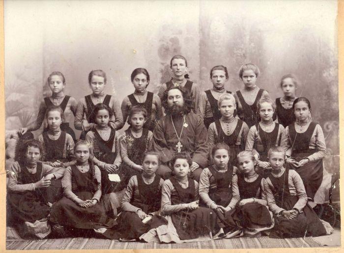 Гимназистки конца ХIX - начала XX века (45 фото)