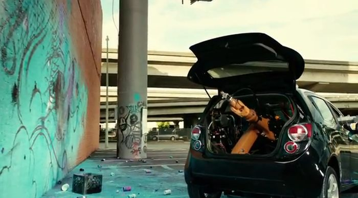 Автомобиль-робот создает шедевры граффити (41 фото)