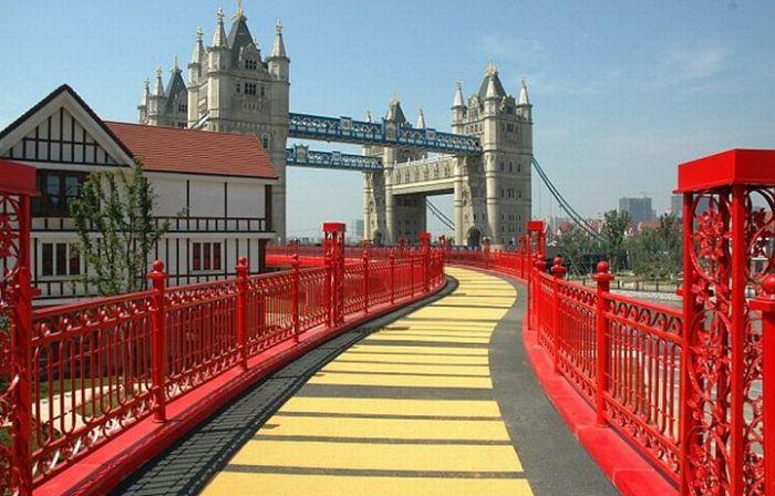 Китайская копия Тауэрского моста (6 фото)