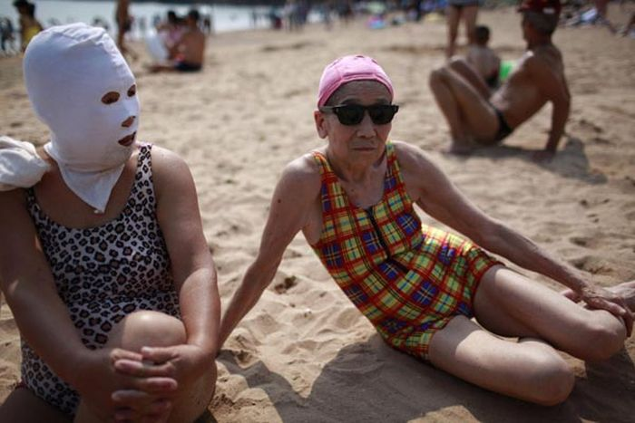 Китайские модницы на пляже (6 фото)