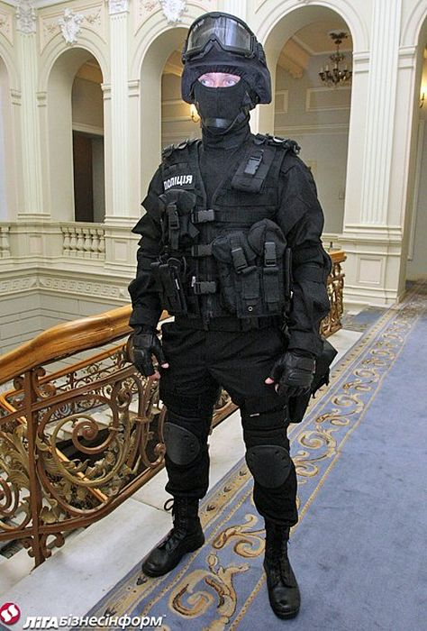 Новая форма украинской полиции (10 фото)
