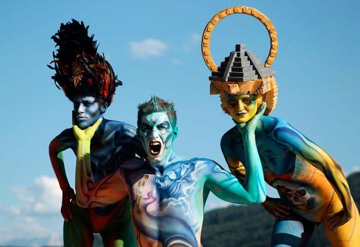 Красочный фестиваль бодиарта в Австрии (16 фото)